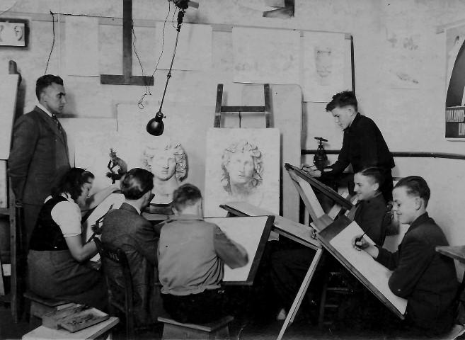 Wie weet nog van kunstenaar, leraar, ondernemer Johann Oberreiter?