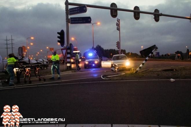 Auto klapt op stoplicht
