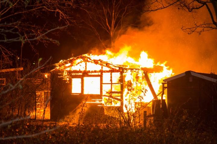 Tuinhuisje Vijfsluizen verwoest door brand