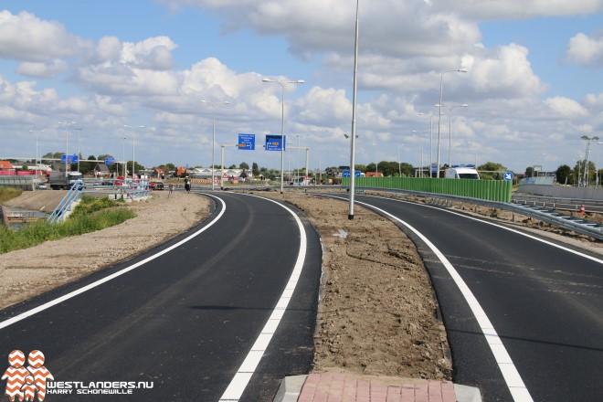 Maasdijkplein en Twee Pleinenweg bijna gereed