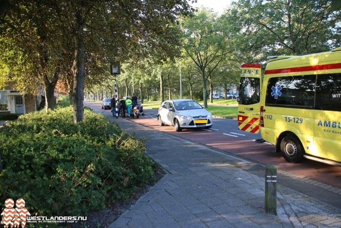 Scooterrijdster gewond bij ongeluk Koningin Julianaweg