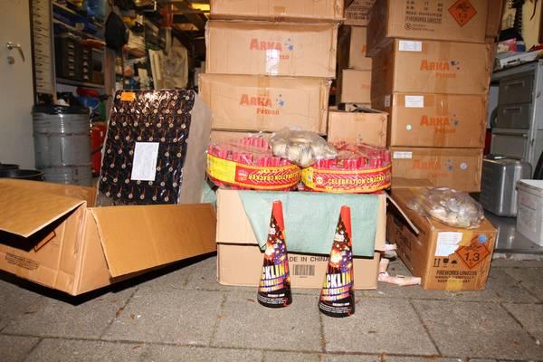 800 Kilo vuurwerk aangetroffen in woonwijk