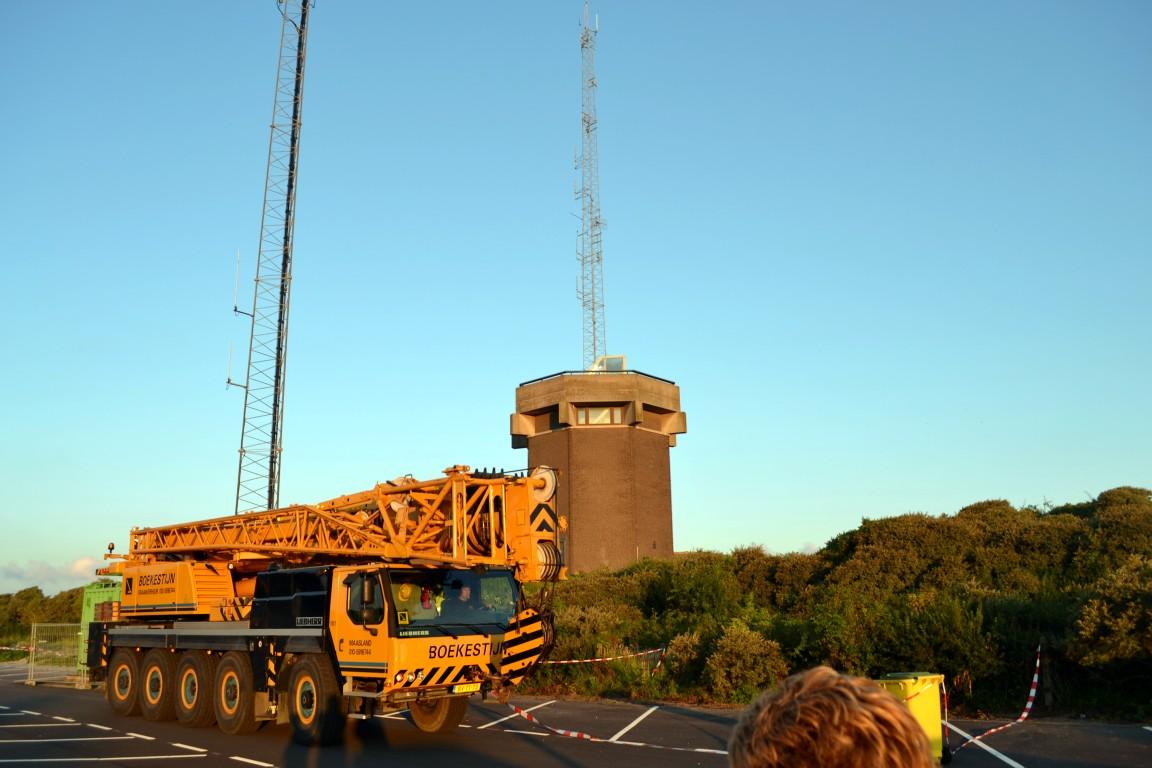 Zendmast Zeetoren naar beneden gehaald