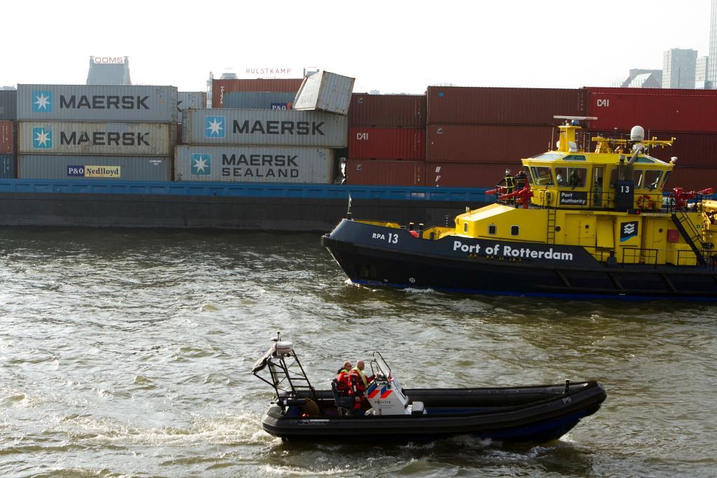 Zeehavenpolitie controleert op gevaarlijke stoffen