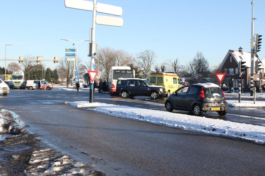 Ongeluk tussen bus 38 en auto